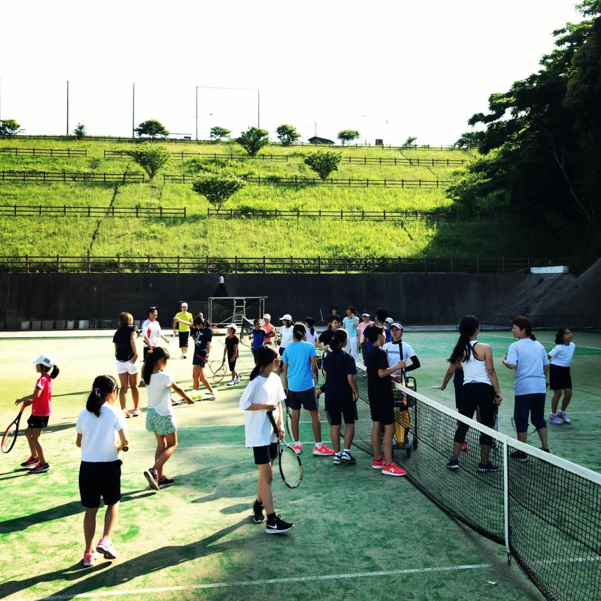 土曜日に、テニス普及の会でのテニス体験クリニックを開催しました!